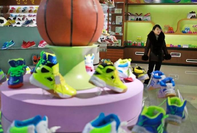 朝鲜有家「莆田鞋厂」