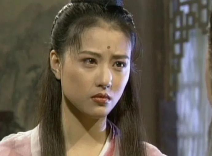 她被称为最美周芷若,与吕良伟做了近10年非法夫妻