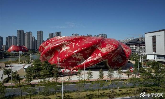 """中国评出年度""""十大最丑建筑"""""""