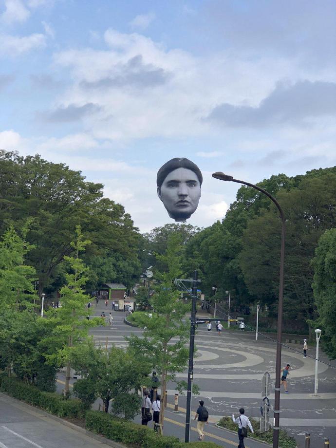日本公园出现了一个巨大的人头造型热气球--『游乐宫』Youlegong.com 第2张