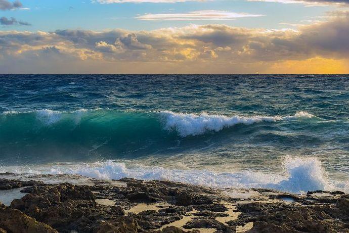 wave-5959087__480