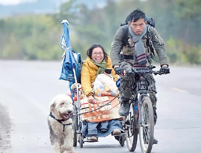 六年前他只拿200元,骑车拉绝症女友环游中国,如今他们怎样了?