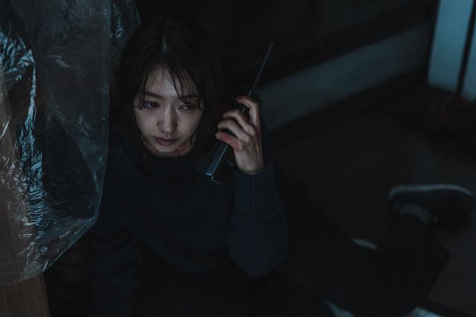 Netflix 最新上映惊悚片《电话》,朴信惠主演