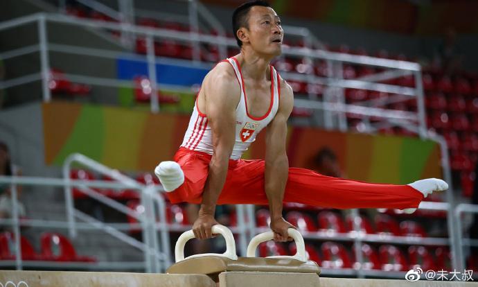 成都有个冷门传奇人物,和李宁同一时代的体操运动员,李东华