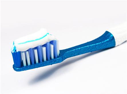 無懼洗手間多菌環境,GEVILAN歌嵐消毒電動牙刷讓你的口腔更健康!