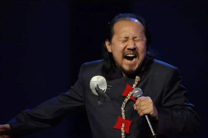 双十一晚会,腾格尔跟花泽香菜合唱「恋爱循环」! 涨姿势 第3张