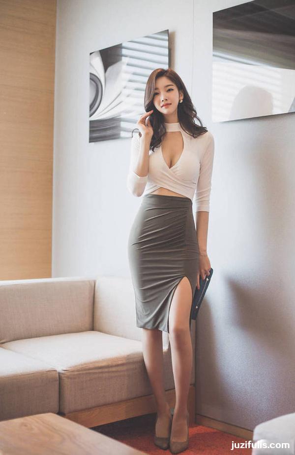 【妹子图】端庄性感美女职业装办公室诱惑 妹子