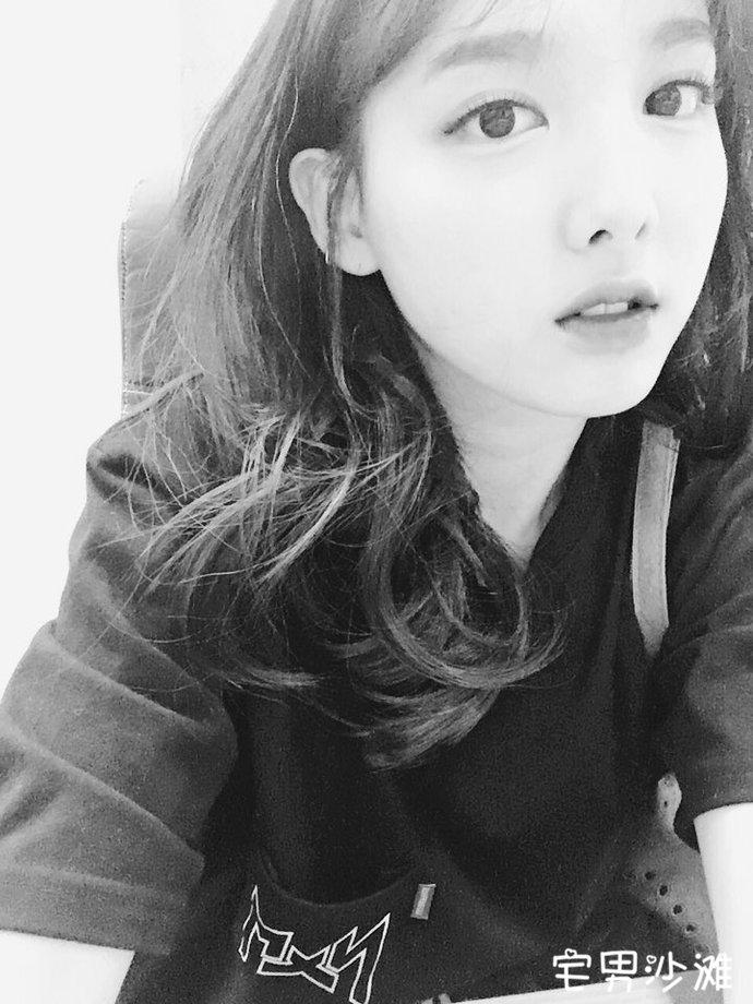 韩国女团Twice成员Nayeon(林娜琏)简介,希望找一个可以依靠的人