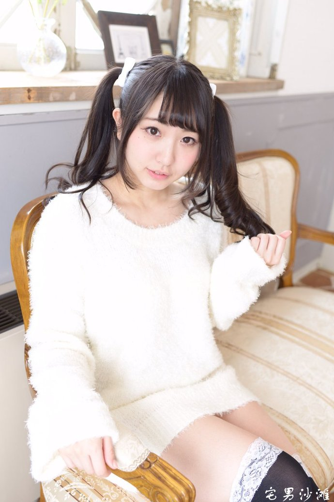 日规E罩杯巨乳萌妹「椎名香奈江」,开发创意胸前作画秀豪乳