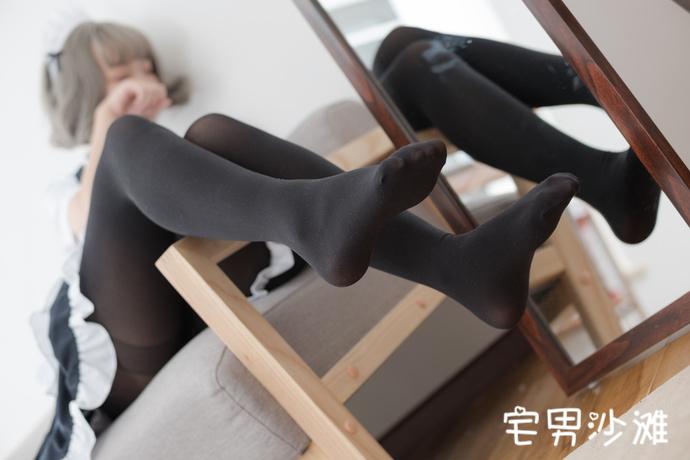 【妹子图】快来领取你的黑丝美腿女仆_腿控福利_足控福利写真