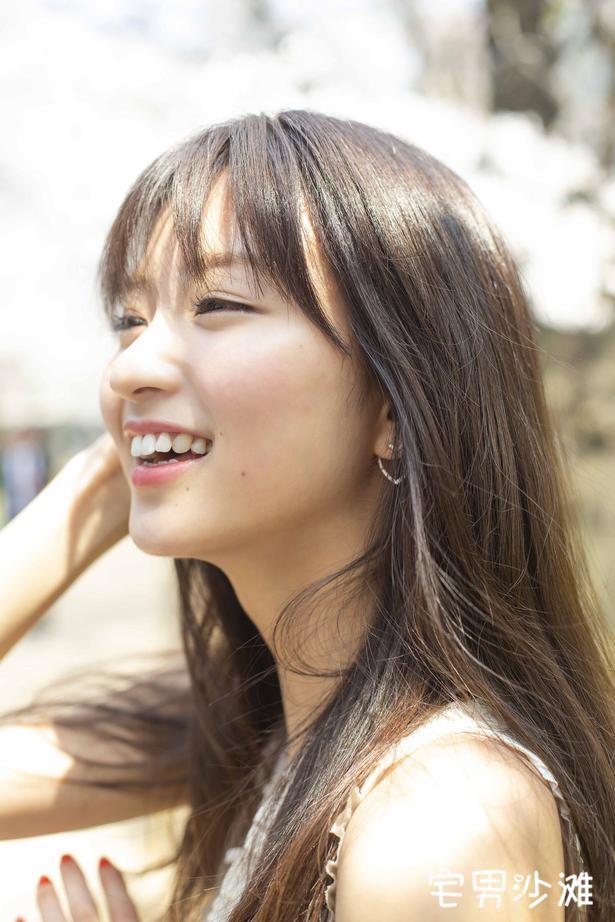 清纯可爱的宝藏樱花妹「冈崎纱绘」,模特出身的她拥有完美身材