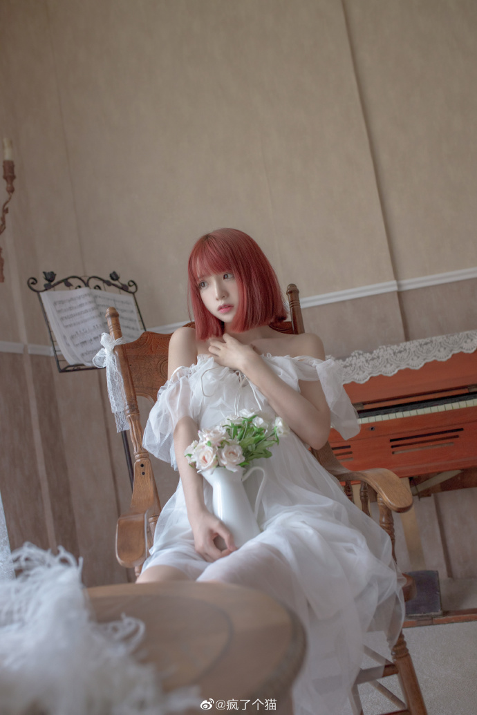 今日妹子图 20200916 超好看的红色短发妹子@疯了个猫 liuliushe.net六六社 第5张