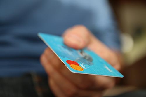"""卡友当心!这6个信用卡坏习惯,会把你拖成""""卡奴""""!"""