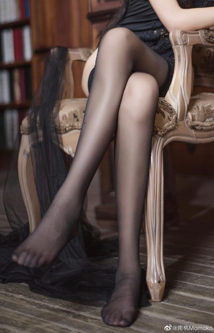 超好看黑丝黑衣少女私房
