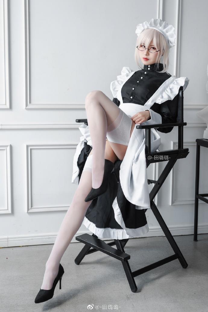 白丝高跟眼镜娘女仆长