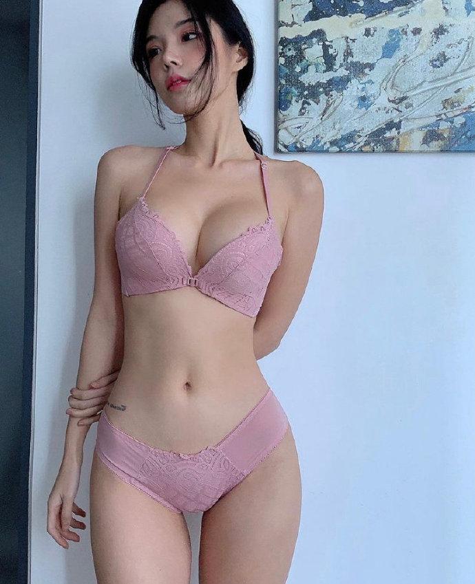 韩国内衣模特姜惠智