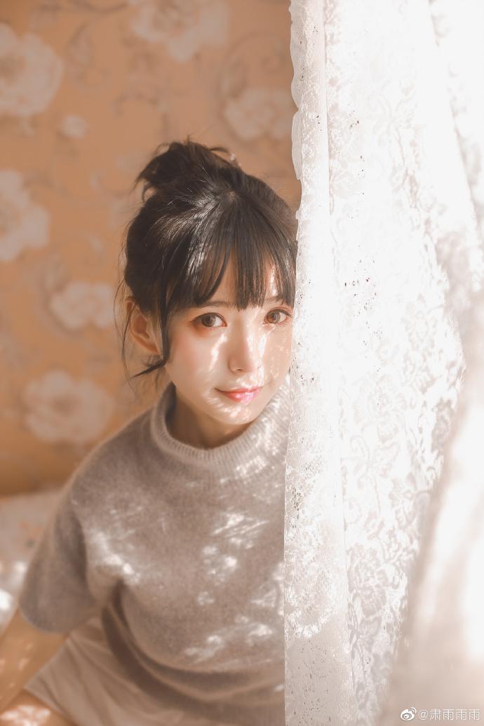 妹子图@肃雨雨雨 想要她能永远停留在自己的目光里 liuliushe.net六六社 第18张