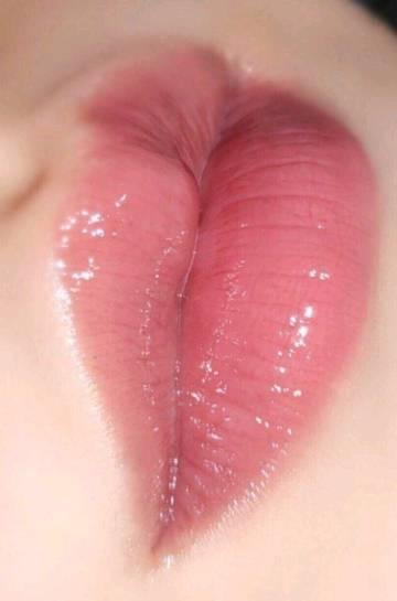 这样的红唇 有没有让你有一亲芳泽的冲动