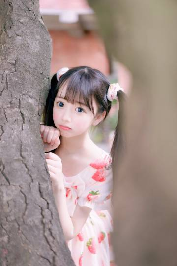 Yami:Twitter & Weibo图打包下载
