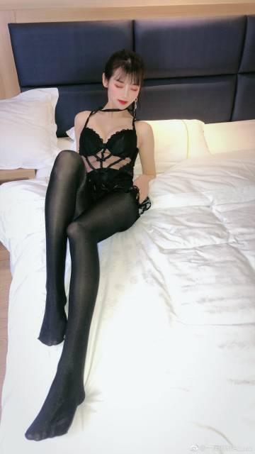 黑丝私房美少女模特阿金