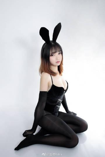 我是你被窝里的小兔子。