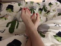 每天洗完澡之后就对着脚丫子发呆 我是怎么了。。。