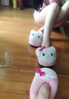 新拖鞋加坐姿~~ 粉嫩嫩的超喜欢!!