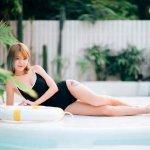 国模刘甜大尺度水印泳衣写真图片