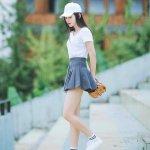 百褶裙棒球现实生活女生图片