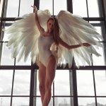 天使美女大胆人体艺术图片