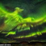 【地理】冰岛夜空现凤凰极光6P]